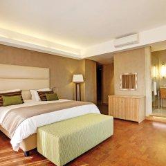 Отель Hollow on the Sqare 4* Стандартный номер с двуспальной кроватью