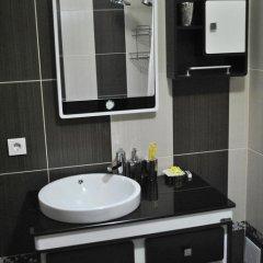 Отель Кербен Палас Бишкек Кыргызстан, Бишкек - отзывы, цены и фото номеров - забронировать отель Кербен Палас Бишкек онлайн ванная