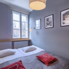 Отель Chopin Apartment Warsaw - Old Town Польша, Варшава - отзывы, цены и фото номеров - забронировать отель Chopin Apartment Warsaw - Old Town онлайн комната для гостей фото 5