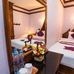Отель Patong Beach Bed and Breakfast 2* Стандартный номер с разными типами кроватей фото 12