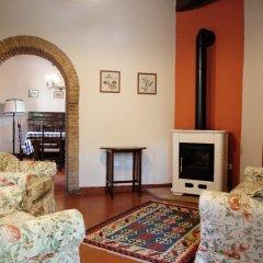 Отель Agriturismo Fattoria La Prugnola Монтескудаио комната для гостей фото 3