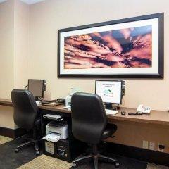 Отель Sandman Suites Vancouver on Davie Канада, Ванкувер - отзывы, цены и фото номеров - забронировать отель Sandman Suites Vancouver on Davie онлайн интерьер отеля фото 3