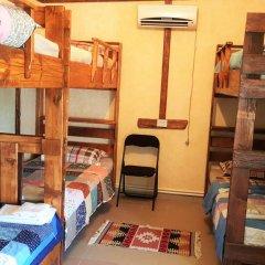Отель Machanents Guesthouse 2* Кровать в общем номере с двухъярусной кроватью фото 6