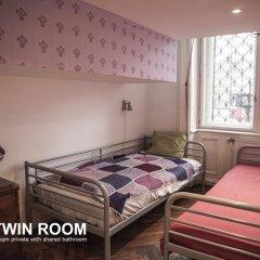 Baroque Hostel Номер категории Эконом с 2 отдельными кроватями (общая ванная комната) фото 2