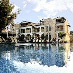 Lesse Hotel бассейн