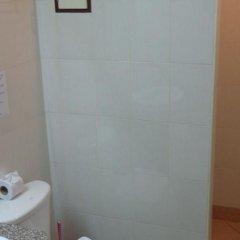 Отель Baan Sabai De ванная фото 2