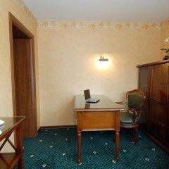 Гостиница La Vie de Chateau в Оренбурге 1 отзыв об отеле, цены и фото номеров - забронировать гостиницу La Vie de Chateau онлайн Оренбург удобства в номере фото 2