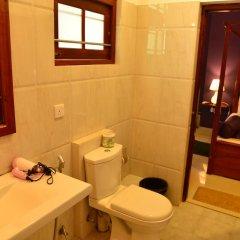 Отель Villa Paradise Хиккадува ванная