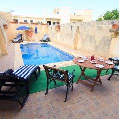 Отель Ta' Bejza Holiday Home with Private Pool бассейн фото 2