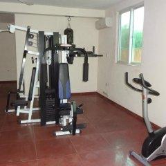 Gussys Hotel Ltd фитнесс-зал
