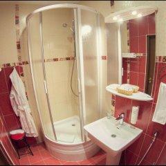 Гостиница Николь 3* Стандартный семейный номер с двуспальной кроватью