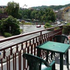 Отель Alice Center Чехия, Карловы Вары - отзывы, цены и фото номеров - забронировать отель Alice Center онлайн балкон