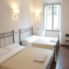 Отель Overseas Guest House Стандартный номер с различными типами кроватей (общая ванная комната) фото 3