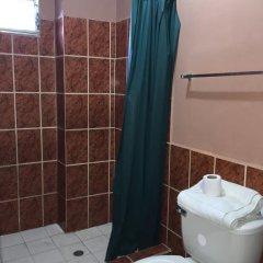 Отель Guest House Inn Гондурас, Сан-Педро-Сула - отзывы, цены и фото номеров - забронировать отель Guest House Inn онлайн ванная фото 2