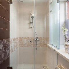 Гостевой Дом ART 11 Стандартный номер с двуспальной кроватью (общая ванная комната) фото 13
