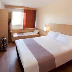 Отель ibis Barcelona Aeropuerto Viladecans 3* Стандартный семейный номер с двуспальной кроватью фото 5