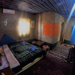 Отель Chez Les Habitants Марокко, Мерзуга - отзывы, цены и фото номеров - забронировать отель Chez Les Habitants онлайн комната для гостей фото 2
