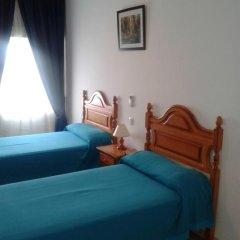 Отель Hostal Naya Стандартный номер с 2 отдельными кроватями фото 3