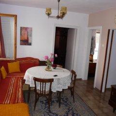 Отель House at the Seaside Болгария, Поморие - отзывы, цены и фото номеров - забронировать отель House at the Seaside онлайн комната для гостей фото 2