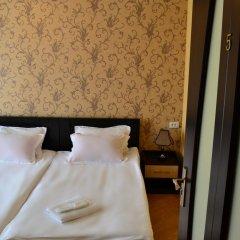 Отель Исака 3* Стандартный номер с 2 отдельными кроватями фото 4