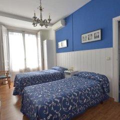 Отель Hostal Valencia Madrid Стандартный номер с различными типами кроватей фото 4