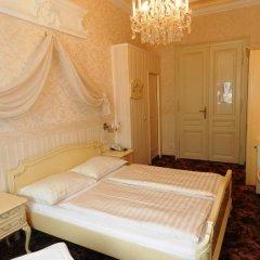 Отель Aviano Pension 4* Стандартный номер с двуспальной кроватью фото 2