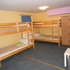 Old Town Hostel Кровать в общем номере с двухъярусной кроватью фото 2