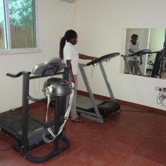 Gussys Hotel Ltd фитнесс-зал фото 2