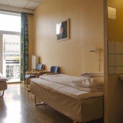 Отель Cochs Pensjonat 2* Стандартный номер с 2 отдельными кроватями (общая ванная комната) фото 3