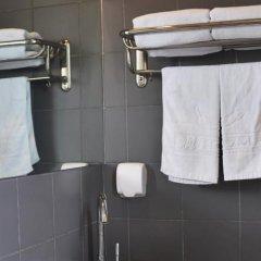Отель Piao Home Inn Beijing Qianmen Китай, Пекин - отзывы, цены и фото номеров - забронировать отель Piao Home Inn Beijing Qianmen онлайн ванная фото 2