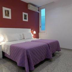 Отель Pension Corbero Мадрид комната для гостей