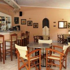 Отель Phivos Studios Греция, Палеокастрица - отзывы, цены и фото номеров - забронировать отель Phivos Studios онлайн гостиничный бар