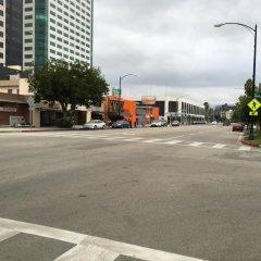 Отель Hampton Inn & Suites Los Angeles Burbank Airport Лос-Анджелес парковка