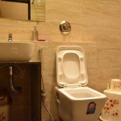 OYO 15123 Hotel Ryaan ванная