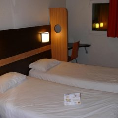 Отель Premiere Classe Nice - Promenade des Anglais Стандартный номер с различными типами кроватей фото 3