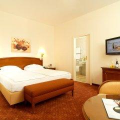 Hotel Stefanie 4* Улучшенный номер с двуспальной кроватью фото 3