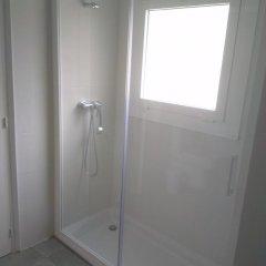 Отель Apartaments La Riera Испания, Курорт Росес - отзывы, цены и фото номеров - забронировать отель Apartaments La Riera онлайн ванная фото 2