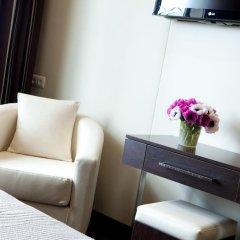 Отель Albert 1'er Hotel Nice, France Франция, Ницца - 9 отзывов об отеле, цены и фото номеров - забронировать отель Albert 1'er Hotel Nice, France онлайн удобства в номере фото 2