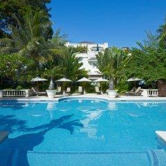 Отель Coral Reef Club бассейн