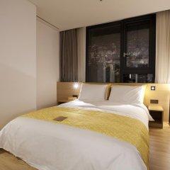 Отель L7 Myeongdong by LOTTE 4* Стандартный номер с различными типами кроватей фото 5