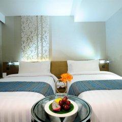 Отель Citrus Sukhumvit 13 by Compass Hospitality 3* Улучшенный номер с различными типами кроватей фото 10