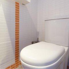 Отель Hola Barcelona Dr. Bove Барселона ванная фото 2