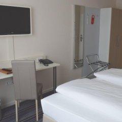 Hotel Astra 3* Номер Бизнес с двуспальной кроватью