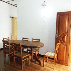 Отель Sheen Home stay Шри-Ланка, Пляж Golden Mile - отзывы, цены и фото номеров - забронировать отель Sheen Home stay онлайн в номере