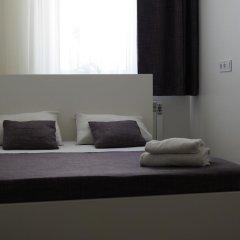 Mini-hotel SkyHome 3* Номер категории Эконом с двуспальной кроватью