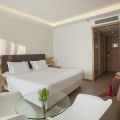 Отель The Royal Apollonia 5* Улучшенный номер с различными типами кроватей фото 4