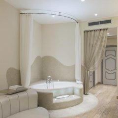 Отель Château Monfort 5* Люкс с различными типами кроватей фото 6
