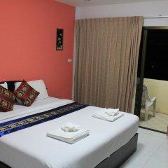 Отель Patong Bay Guesthouse 2* Улучшенный номер с различными типами кроватей фото 15