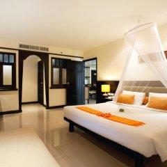 Отель Woraburi Phuket Resort & Spa 4* Улучшенный номер двуспальная кровать фото 5