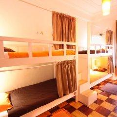 Lisboa Central Hostel Стандартный номер с 2 отдельными кроватями (общая ванная комната) фото 4